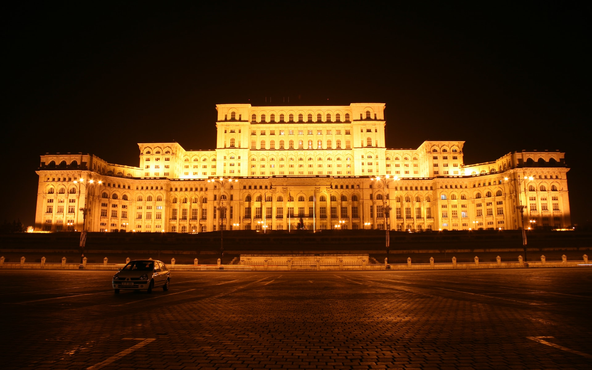 visit bucharest