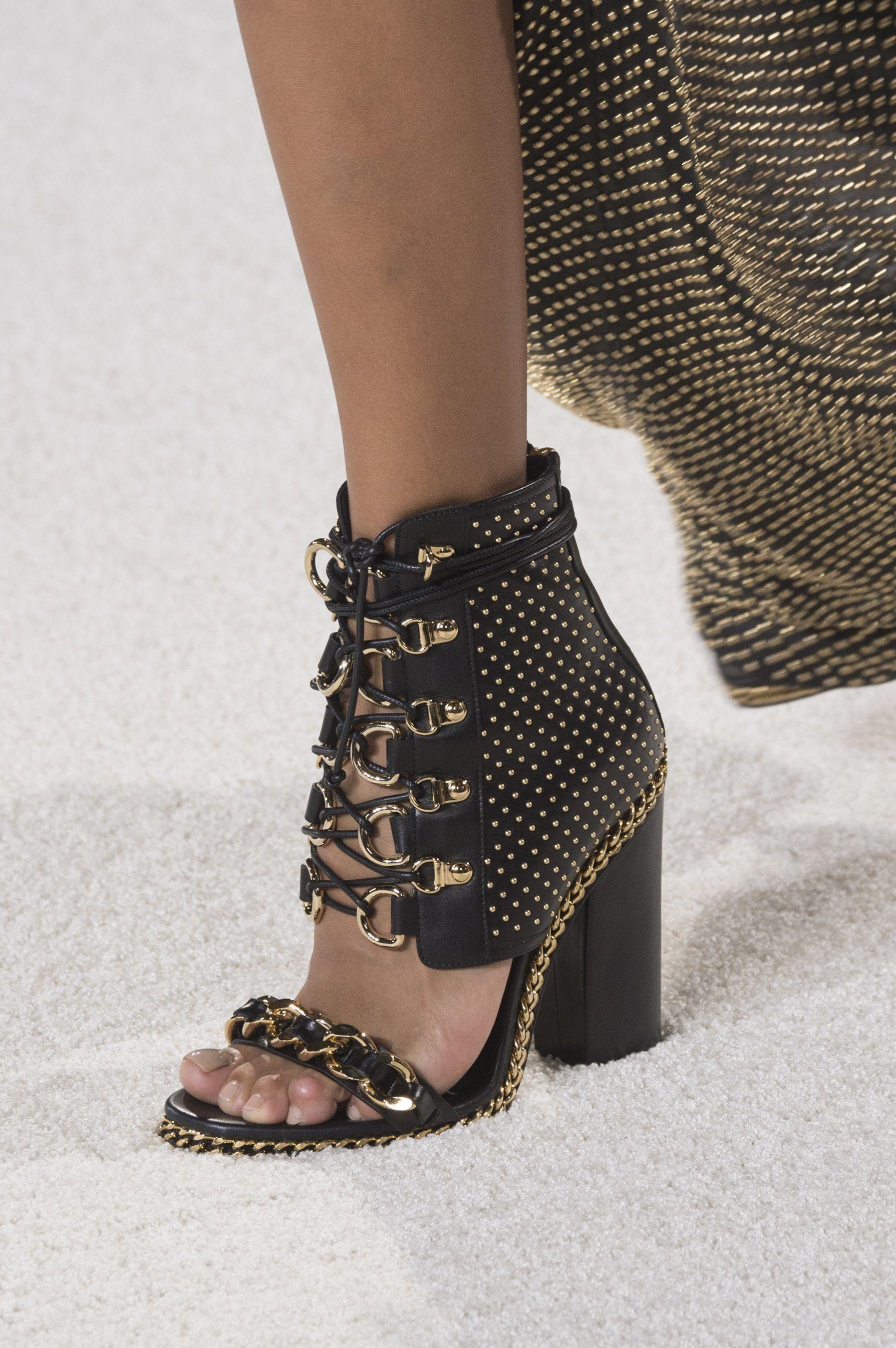 footweear designs